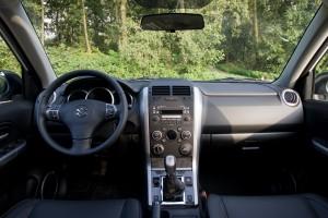 Suzuki Grand Vitara 2.4 rijtest