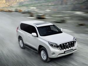 Toyota Land Cruiser 2014 voor