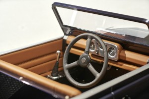 trapauto-Land-Rover-Defender-interieur